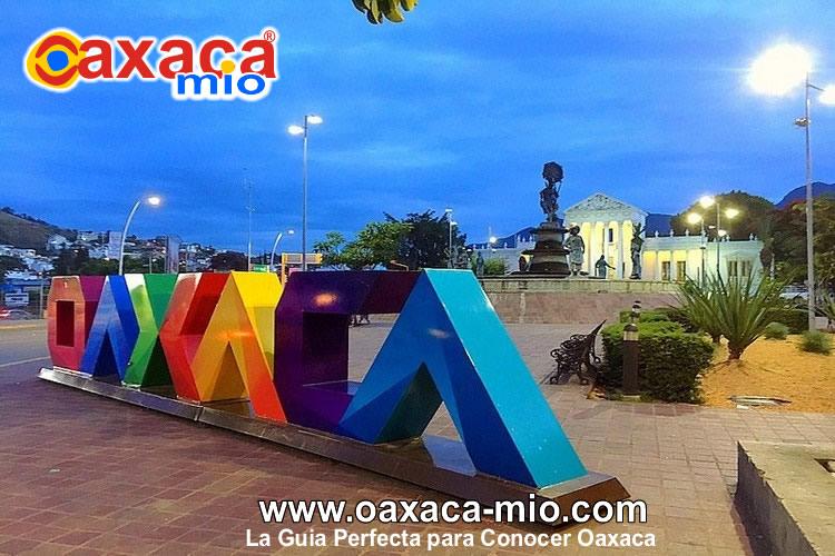 fuente de las ocho regiones de la ciudad de oaxaca oaxaca mio